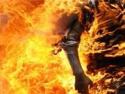 غزة : وفاة شاب أحرق نفسه قبل أيام في مخيم الشاطئ