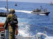 """زوارق الاحتلال تهاجم مراكب الصيادين مقابل بحر """"بيت لاهيا"""""""