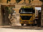 إدخال 12 شاحنة محملة بإطارات السيارات إلى قطاع غزة