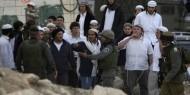 بالفيديو.. رئيس بلدية اللد يقتحم مسجداً ويحاول منع صلاة العيد