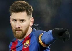 رسميا.. ميسي يقرر اليقاء في برشلونة