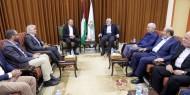 معاريف تكشف عن فحوى رسالة ابلغتها حماس لملادينوف خلال لقائهما اليوم