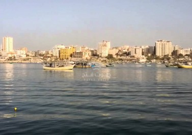 رفضا للحصار البحري..وقفة احتجاجية للصيادين في غزة