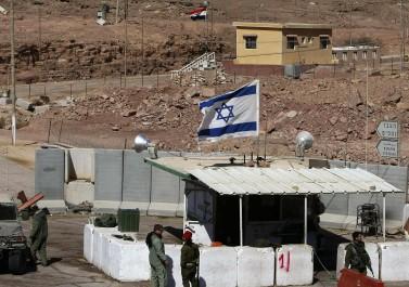 إعلام عبري: وفد حكومي إسرائيلي يزور مصر لبحث تبادل الأسرى مع حماس
