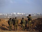 """قوات الاحتلال تطلق النار تجاه شبان حطموا """"بوابة النجار"""" شرق خانيونس"""