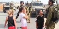 بالصور.. قوات الاحتلال تعتقل والد «عهد التميمي» خلال حضوره جلسة محاكمتها