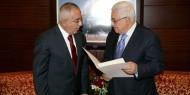 """مفاجاة.. لماذا استدعى الرئيس عباس """"سلام فياض"""" إلى مقر المقاطعة برام الله؟"""