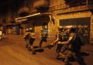 شاهد: اشتباك مسلح بعد محاصرة جيش الاحتلال لمقر الوقائي بنابلس