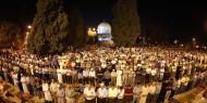 بالصور: الآلاف يؤدون صلاة التراويح في المسجد الأقصى المبارك في الثاني من رمضان