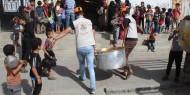 """بالصور..  """"فتح رفح"""" تقدم 1000 وجبة إفطار للعائلات المستورة بالمحافظة"""