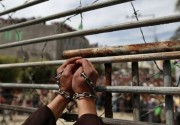 """""""فتح"""" تحمل الاحتلال المسؤولية الكاملة عن حياة الأسير أبو دياك"""