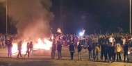 """مستوطنو """"غلاف غزة"""" يشعلون الإطارات احتجاجا على وقف إطلاق النار"""