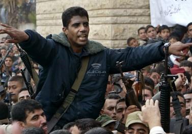 """زوجة المُعتقل """"الزبيدي"""" تكشف عن ظروف اعتقالية خطيرة للأسرى في السجون الإسرائيلية"""
