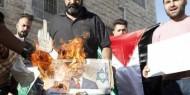 يديعوت أحرنوت: حركة فتح تنشر صور لإحراق صور نتنياهو