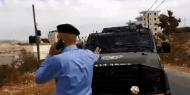 شاهد.. شرطي فلسطيني يمنع دورية لجيش الاحتلال الإسرائيلي من اقتحام بيتونيا