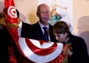 """""""سنعمل من أجل قضية فلسطين"""" .. من هو """"قيس سعيد"""" رئيس تونس المنتخب ؟"""