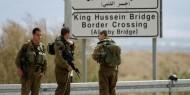 إسرائيليون يعيقون إدخال البضائع للضفة