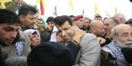 """بالفيديو.. """"دحلان"""" يستجيب لمناشدة سيدة فلسطينية كفيفة رفض """"عباس"""" مقابلتها"""