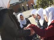 بالصور.. الشبيبة تواصل استقبال الطلبة في كافة مدارس قطاع غزة