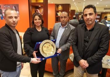 لجنة العلاقات العامة بتيار الاصلاح تكرم الاعلامية المصرية آمال ابراهيم