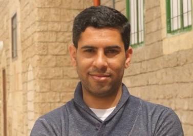 """أمن حماس يعتقل الصحفي """"أسامة الكحلوت"""" وسط قطاع غزة"""