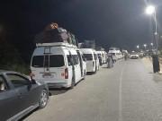 بالفيديو والصور.. تيار الإصلاح يواصل إجلاء العالقين في مصر إلى قطاع غزة