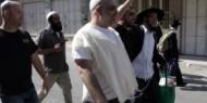 مستوطنون يعتدون على مواطن ويحطمون مركبة في نابلس