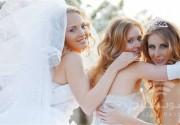 فساتين النجمات باللون الأبيض تلهم العروس