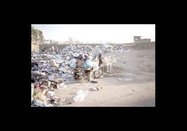 عزبة بيت حانون .. بيئة ملوثة وخدمات شبه معدومة