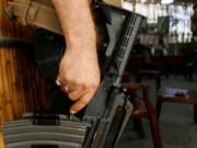 """""""القتل بسلاح الأمن"""" يثير انتقادات واسعة في الضفة"""