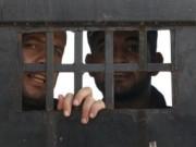 بالاسماء :  8 أسرى يواصلون إضرابهم عن الطعام رفضا للاعتقال الإداري