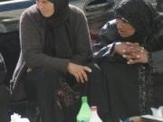 سلطات الاحتلال تدمر بسطات الباعة على معبر وادي الخليل